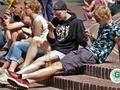Sipeniece, Simsons un citi Latvijā zināmi vecāki par skolēniem un viedtālruņiem