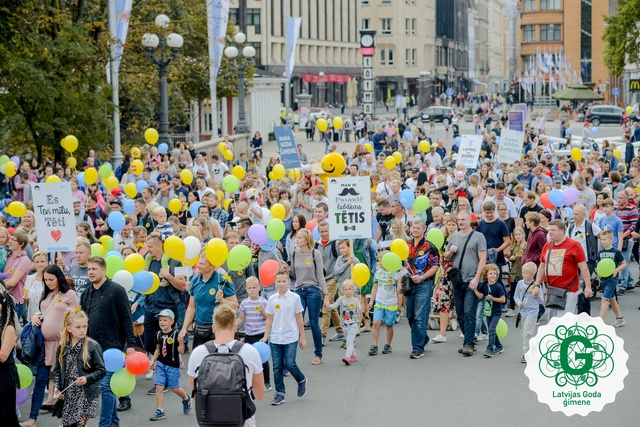 Tēva dienas gājiens un festivāls Rīgā šogad svētdien, 8. septembrī. Tēviem dāvanā ozoli!