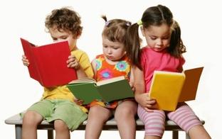 Lasītprasmi bērnam var sākt veicināt, tikko viņš ir piedzimis