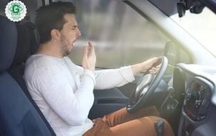 Uzmanību – pie auto stūres tautas metodes cīņā ar miegainību nepalīdz!