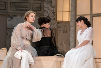 """Dailes teātrī 05.10. """"Trīs māsas"""""""