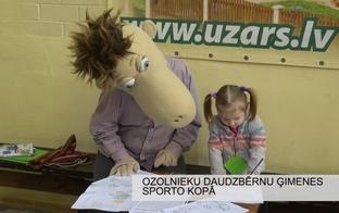 VIDEO: Ozolnieku daudzbērnu ģimenes sporto kopā