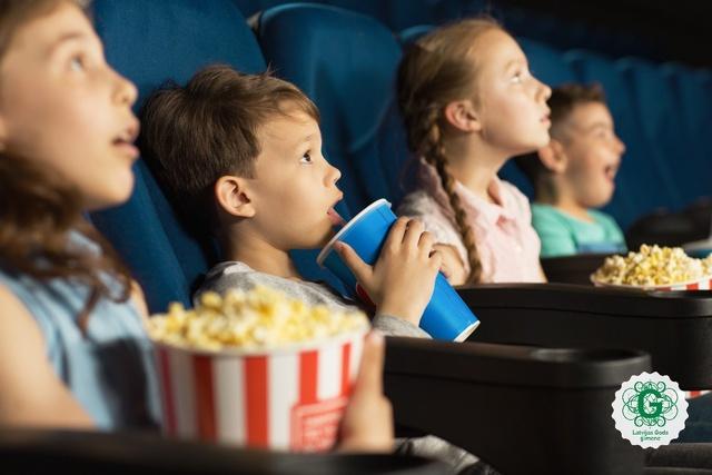 Zinātniskais teātris, izzinošs pārgājiens un lielisks kino bērniem. Nedēļas nogales idejas!