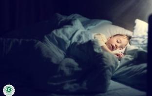 3 iemesli, kāpēc ir būtiski bērniem dziedāt šūpuļdziesmas
