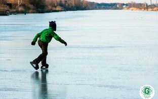 Vienkārši padomi kā pareizi rīkoties, ja gadās ielūzt ledū