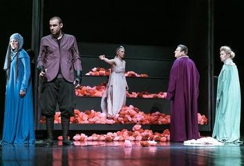 """Valmieras drāmas teātrī sezonas noslēguma izrāde """"Vaidelote"""" par īpašu cenu ar 3+ ģimenes karti!"""