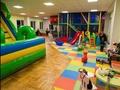Latgalē lielākais bērnu izklaides centrs PlayDay pievienojas programmai