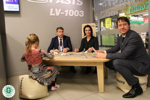 Latvijas Pasts atklāj pirmo jaunajiem vecākiem draudzīgo pasta nodaļu