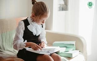 Kā pārliecināties par to, ka bērns drīkst palikt viens mājās?