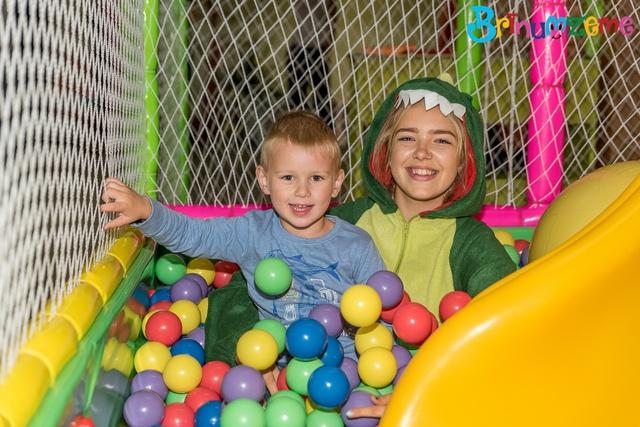 """Bērnu izklaižu Centrs """"Brīnumzeme"""" - bērnu ballītes Kuldīgā!"""
