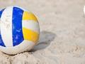 Skolēniem vasarā pieejami bezmaksas treniņi pludmales volejbolā