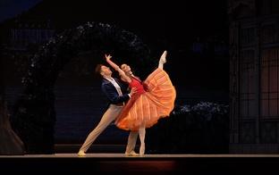 """Aicinājums uz baletu """"Pie zilās Donavas"""" 17.oktobrī"""