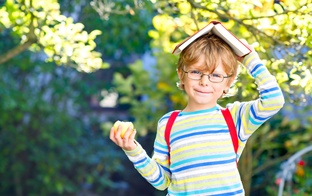 Vai bērns ir gatavs 1. klasei? Nepieciešamās vispārējās un valodas prasmes, uzsākot skolas gaitas