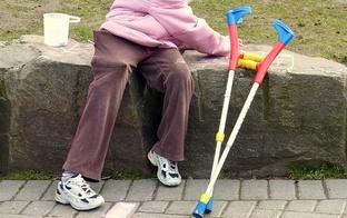 """Bērnu rehabilitācijai veikalos """"Rimi"""" un """"Supernetto"""" saziedoti vairāk nekā 29 tūkstoši eiro"""