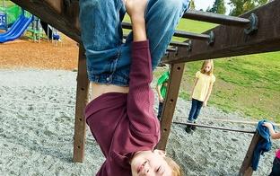 5 lietas, ko vecākiem der atgādināt par bērnu drošību vasarā