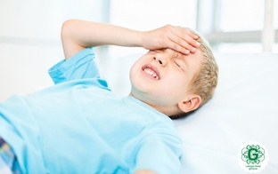 Bērns sūdzas par galvassāpēm. Kāpēc tā notiek un kā rīkoties vecākiem?